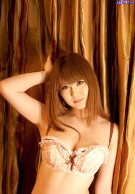 momoka porno gros seins asiatique